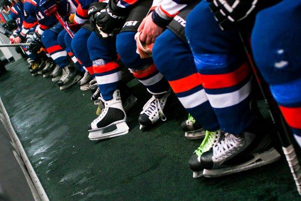 Покупаем принадлежности для игры в хоккей