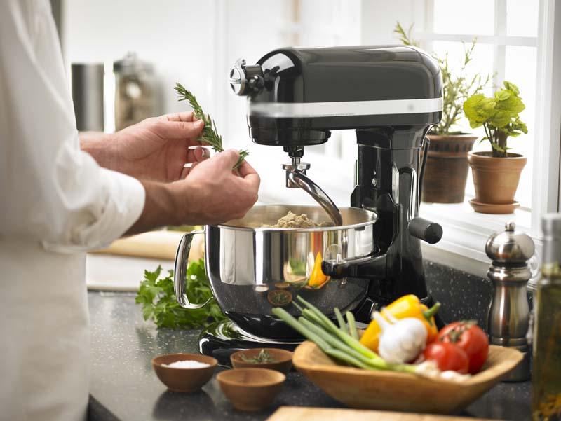 Советы по выбору кухонных комбайнов и измельчителей