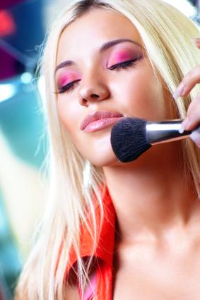 Подбираем аксессуары для нанесения макияжа