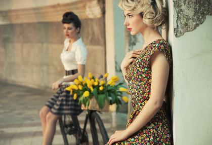 Яркие краски в женской моде весна-лето 2012