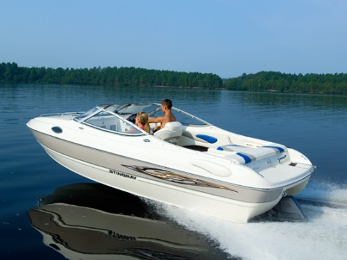 Что надо знать при покупке поддержанной моторной лодки?