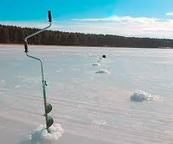 Зимняя рыбалка: как сделать лунку во льду