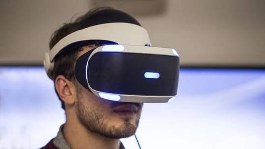 вид на голове PlayStation VR