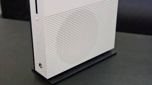панель Xbox One S